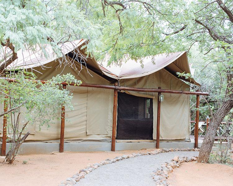 Zwartkloof-selfcatering-lodge-tented-camp